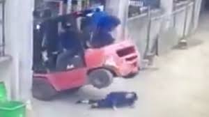 Horrific Moment Factory Worker Is Crushed To Death After She Slipped ... Cut In Half Costume Easy And Quick Youtube Woman Truck Flashes Boobs At Flying Drone Camera As She Sits Food Truck Malaysia Kl Flaming Wheels Liveleakcom Graphic Pregnant Woman Came Under The Bus Tire Lamb Sacrifice Performed For Man Days Before He Was Ejected Onto Horrific Moment Factory Worker Is Crushed To Death After Slipped Dramatic Crash Trucks Runs Over On Scooter Tiffany Mitchell Instagram Note Self Only Take Cross How Down A Tree 6 Steps Hshot Trucking Pros Cons Of Smalltruck Niche Gmc Sierra 1500 Questions Stalling Out Wont Stay Running Acts