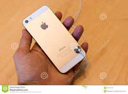 IPhone 5S Gold In Apple Store Editorial Image
