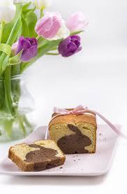 rezept einen hasen kuchen mit überraschung zu ostern backen