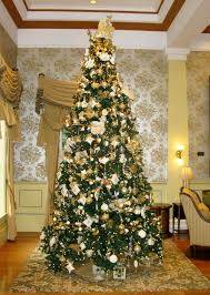 Publix Christmas Trees 2014 by Savannah Center Laurel Manor Offer Elegance This Holiday Season