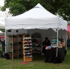10 x 10 mercial Popup Canopy with Carry Bag Four Sidewalls