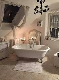 White Shabby Chic Bathroom Ideas by Best 25 Chic Bathrooms Ideas On Pinterest Shabby Chic Decor
