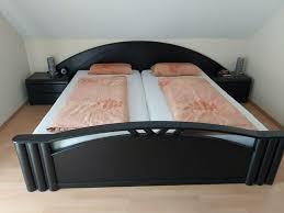 schlafzimmer bett und kommode schwarz massivholz in baden