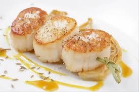 cuisiner des noix de st jacques recette de brochette de jacques fenouil au miel et à l