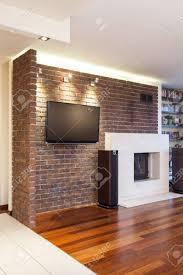 geräumige wohnung brick wand in modernen wohnzimmer