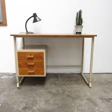 vintage bureau vintage bureau hout metaal verkocht meutt vintage interior
