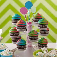 Triple Tinted Swirl Cupcakes
