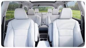 does the honda pilot come with captain s chairs