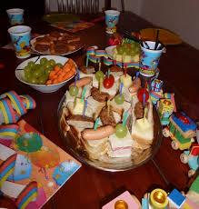 essen und trinken beim kindergeburtstag