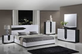 Furniture Hudson 4 Piece Platform Bedroom Set in Zebra Grey White