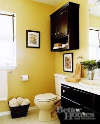Guest Bathroom Decor Ideas Pinterest by Best 25 Yellow Bathrooms Ideas On Pinterest Diy Yellow