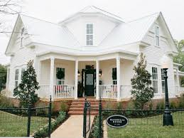 Fixer Upper couple opens cutest bed and breakfast in Texas