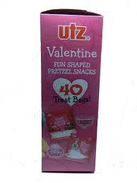 Utz Halloween Pretzels Nutrition Information by Amazon Com Utz Valentine Fun Shaped Pretzel Snacks 40 Treat Bags