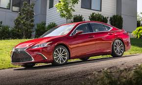 2019 Lexus Es First Review Kelley Blue Book Intended For 2019 Lexus ...