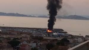 vidéo quarante bateaux en feu dans le port de la pointe à