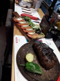 la cuisine de mu angus steak and caprese salad picture of mu el placer de la carne