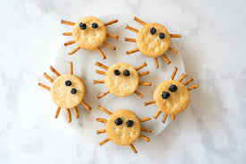 Healthy Halloween Candy Tips by Easy Spider Crackers Halloween Snacks For Kids La Jolla Mom