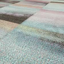 designer teppich modern wohnzimmer farbverlauf karo muster pastell grün gelb lila