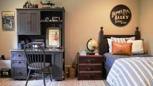 Cute Living Room Ideas For College Students by Staggering Simple Decorations For Study Room Student Images