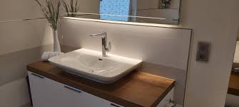7 gehobenes bad in warmen farben quadratbad