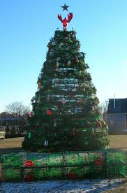 Decorative Lobster Trap Buoys by White Cedar Inn Today Lobster Trap Christmas Tree In Rockland