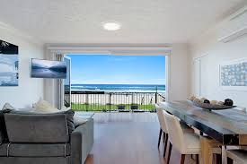 100 The Beach House Gold Coast Absolute Beachfront Apartment Nothing But The Sand Palm