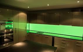 küchenrückwand aus 6mm esg glas hinterleuchtet mit led pannel