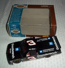 100 Craftsman Truck Series Lot NASCAR 124 Mike Skinner GM Goodwrench