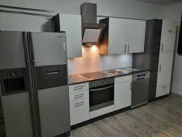 kaum gebrauchte küche mit e geräten und samsung kühlschrank