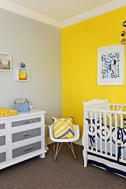 chambre jaune et gris peinture chambre enfant et bébé 20 idées pour intégrer les