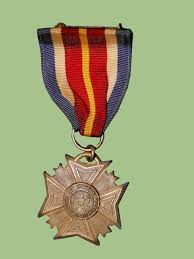 Awards And Decorations Us Army by Wwii Us Medals And Insignia Price Guide Militaryitems Com