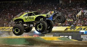 Ta Monster Truck Show] - 28 Images - Image Gallery Monster Mutt Dog ...