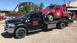 Home | General Towing LLC | Towing | Roadside Assistance | Milwaukee