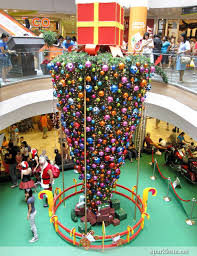 The Upside Down Christmas Tree Is One Of Strangest Trends Seen In A While There Are Some People Who Probably Like Idea An