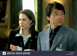 100 The Madalion CLAIRE FORLANI JACKIE CHAN THE MEDALLION 2003 Stock Photo
