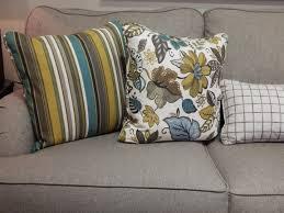 drap canapé images gratuites sol intérieur salon meubles chambre canapé