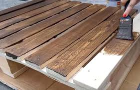 Pallet Diy Coffee Table Paint Everything This Is The Coolest Wood Project Ever