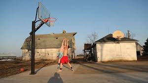 Machine Shed Urbandale Iowa by See It A Basketball Court In A Machine Shed Really