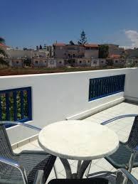 chambre ou la terrasse de la chambre ou j étais picture of hara ilios hotel