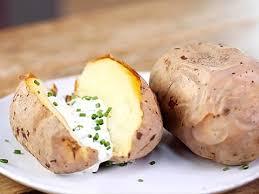 pomme de terre en robe de chambre au four comment faire cuire les pommes de terre au four en robe des