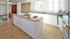 cuisine blanche ouverte sur salon decoration salon avec cuisine ouverte decoration salon cuisine