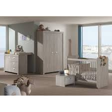 chambre bébé compléte chambre bébé complet avec lit transformable coloris grège