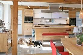 die barrierefreie küche aus massivholz für rollstuhlfahrer