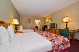 Lamplighter Inn Springfield Mo by Lamplighter Inn U0026 Suites North Updated 2018 Prices U0026 Hotel