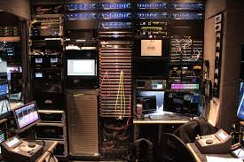 100 Production Truck High Rock Mobile Television Chooses UTAH400 Series 2 Router For
