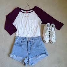 Un Tee Shirt Rouge Et Blanc Avec Jean Bleu Les Chausseures
