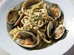 cuisine pasta spaghetti with clams and garlic recipe frank falcinelli frank