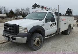100 2006 Ford Truck F550 Service Truck With Crane Item L5431 SOLD
