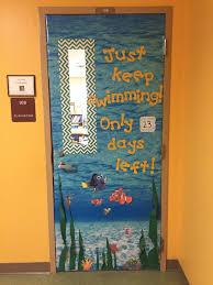 Classroom Door Christmas Decorations Pinterest by Best 25 Door Decorations Ideas On Pinterest Classroom