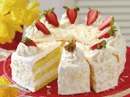himmlische biskuit torte mit erdbeeren weißer schokolade